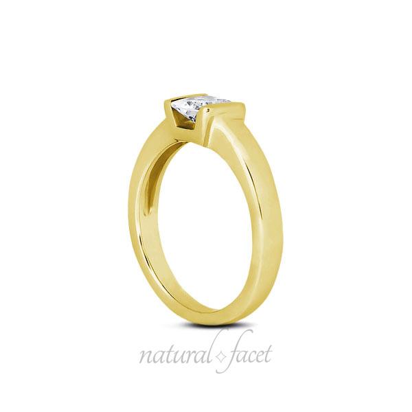 0.98ct D VVS1 V.Good Princess Diamond Yellow gold Classic Solitaire Ring 3.5mm
